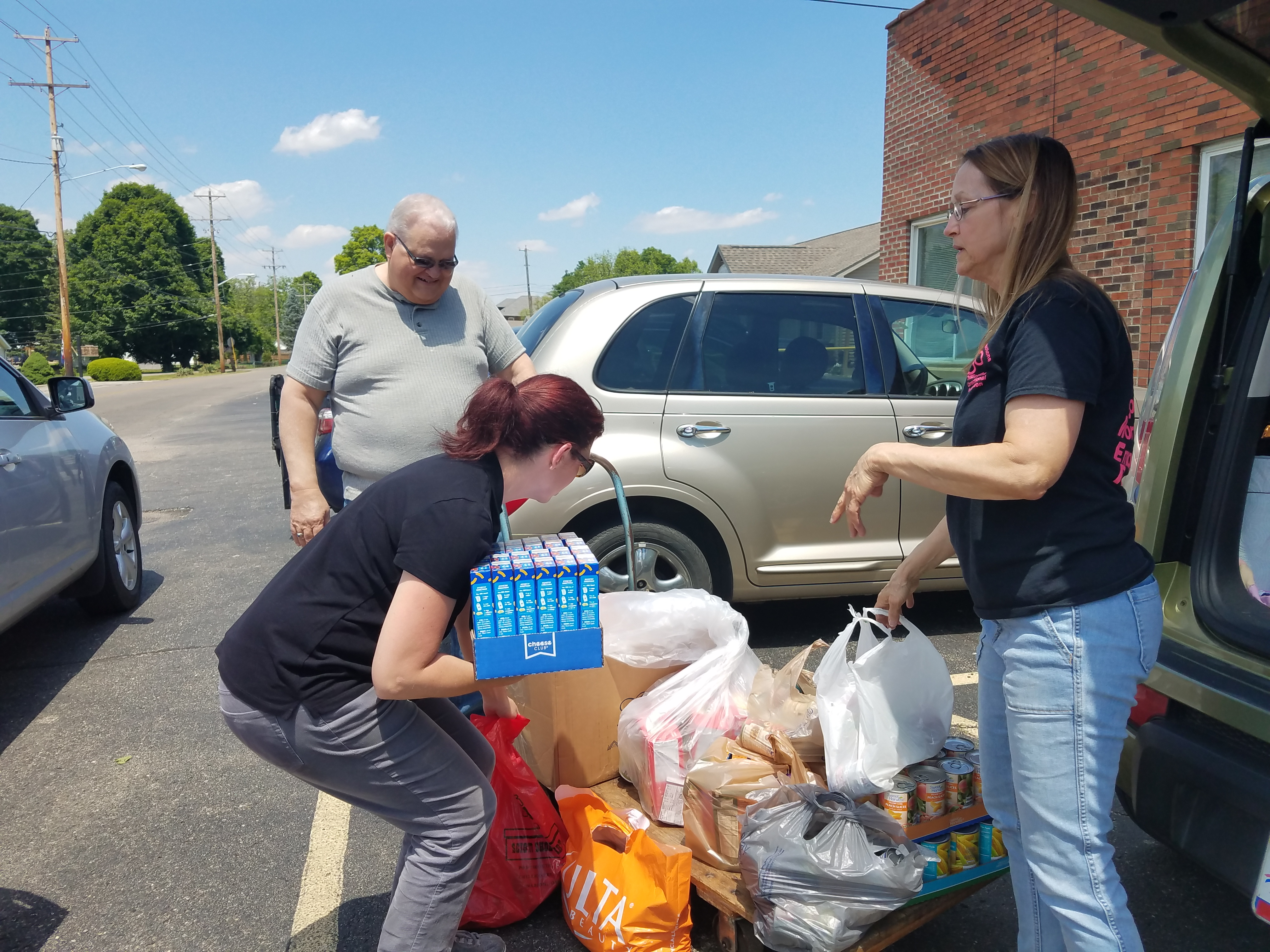 Women in Corrections Food Drive at CCI