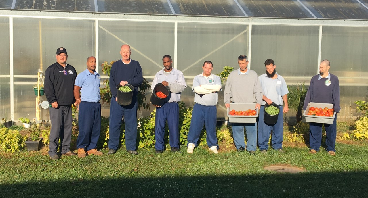 NCI Horticulture Program Donates Produce